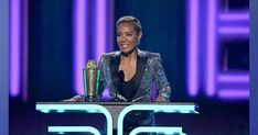 Jada Pinkett honored with Trail Blazer Awards at MTV Movies Awards 2019