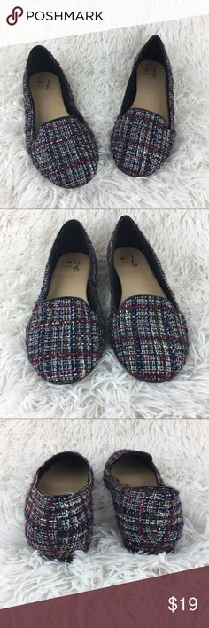 Mix No. 6 Kardon MultiColor Tweed Flats Loafers Mix No. 6 Tweed Burgundy Blue White Flats Loafers  PREOWNED  Size 8 Sizes/Fit vary by Brand & Style   Please see all the pictures & Please comment with any questions before purchase  From a smoke & pet free home. Mix No. 6  Shoes Flats & Loafers