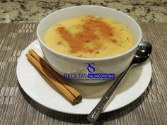 Leche Poleada - In English or Spanish instructions. It can be used for other Salvadorean desserts. El Salvador Food, Salvadoran Food, Honduran Recipes, Cooking Time, Cooking Recipes, Recetas Salvadorenas, Guatemalan Recipes, Slow Cooker Barbacoa, Chicken Wrap Recipes