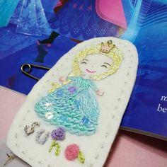 Elsa name tag