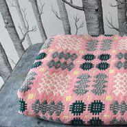 Vintage welsh tapestry blanket by Smug * Deco Findings * The Inner Interiorista Welsh Blanket, Wool Blanket, Textile Patterns, Textile Design, Vintage Blanket, Vintage Cushions, Weaving Textiles, Soft Furnishings, Bunt