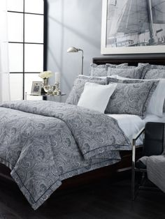 LOOOVE this duvet (?) set. Pretty yet neutral enough for a couple. Patterned, but not loud. NICE!