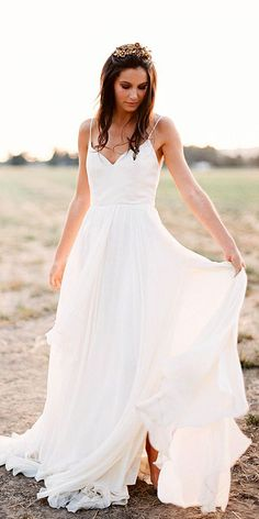 24 Simple Wedding Dresses For Elegant Brides