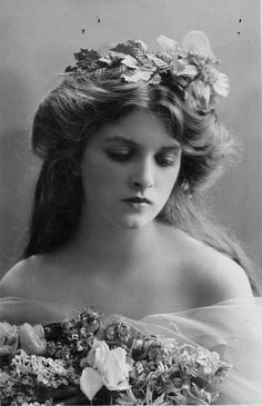 "Gladys Cooper (1888-1971)  Gladys Cooper was the daughter of journalist William Frederick Cooper and his wife Mabel Barnett. As a child she was very striking and was used as a photographic model beginning at six years old. She wanted to become an actress and started on that road in 1905 after being discovered by Seymour Hicks to tour with his company in ""Bluebell in Fairyland""."