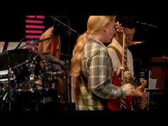 ▶ Eric Clapton & Derek Trucks:  Why Does Love Got To Be So Sad.  Love me some Clapton.