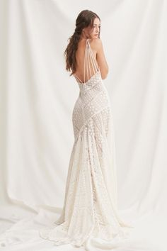 Willowby by Watters 52107 Brooklyn Halter Lace Fit-and-Flare Wedding Dress - Bridal Gowns Western Wedding Dresses, Wedding Dresses Photos, Classic Wedding Dress, Bohemian Wedding Dresses, Princess Wedding Dresses, Modest Wedding Dresses, Bridal Dresses, Wedding Gowns, Event Dresses