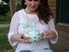 Bows on Pearls.Matching bow and teapot.Mint & Gold