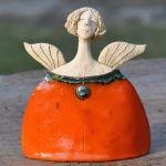 Ceramic Angel by Joanna Piotrowska :) Raku Pottery, Pottery Art, Paper Clay Art, Pottery Angels, Ceramic Angels, Pottery Classes, Clay Figures, Paperclay, Sculpture Clay