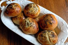 Recipe for traditional Mahlab: Armenian brioche filled with dates, honey and walnuts