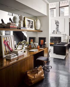 Tour Brian Atwood and Dr. Jake Deutsch's Striking NYC Apartment Atwood's office desk Brian Atwood, Architectural Digest, Home Office Design, Office Decor, House Design, Office Ideas, Office Workspace, Interior Architecture, Interior And Exterior