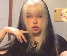 Hair Inspo, Hair Inspiration, Curly Hair Styles, Natural Hair Styles, Cute Makeup Looks, Hair Color Streaks, Aesthetic Hair, Aesthetic Grunge, Dye My Hair