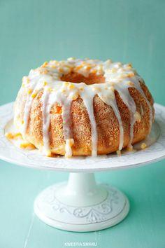 Easter Cake with Raisins and Orange Peel Recipe Babka Bread, Polish Recipes, Polish Food, Easter Recipes, Cupcake Cakes, Cupcakes, Bundt Cakes, Toffee, Love Food