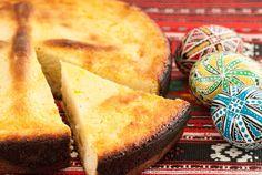 Pasca este desertul specific sărbătorii de Paște, așa că te învățăm cele mai bune rețete. Îți spunem pas cu pas ce ai de făcut pentru a face pască acasă. Raisin Cake, Cheese Bread, Cornbread, Easter Eggs, Biscuit, Bakery, Tasty, Dishes, Ethnic Recipes