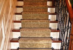 Custom width runner with matching bars to the balusters