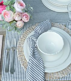 Soft Tone Farmhouse Tablescape Modern Farmhouse Table, Farmhouse Kitchen Decor, Rustic Farmhouse, Pottery Barn Table, Romantic Table Setting, Bookcase Styling, Cottage Style Decor, Vintage China, Table Settings