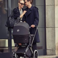 The CYBEX Priam enables 3 different uses: as travel system with matching carry cot or with one of the award-winning CYBEX infant car seats and later as luxurious stroller, which can be either forwards or rearward-facing