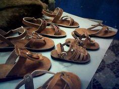 Sandalia de couro sola artesanal