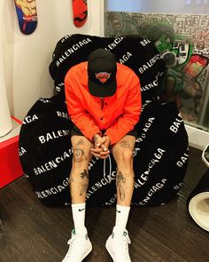Chris Brown Videos, Chris Brown Art, Chris Brown Style, Breezy Chris Brown, Celebrity Dads, Celebrity Look, Chris Brown Photoshoot, Chris Brown Outfits, Chris Brown Fashion