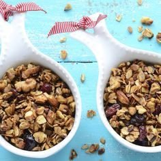 Granola is a fantastic grab & go snack idea! This delicious Pumpkin & Cranberry Granola is prepared in the slow cooker! Slow Cooker Recipes, Crockpot Recipes, Snack Recipes, Cooking Recipes, Thm Recipes, Slow Cooking, Light Recipes, Veggie Recipes, Healthy Nuts And Seeds