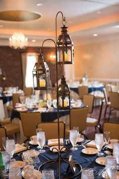 lehigh valley wedding photography want a non flower centerpiece that makes a statement nicole and andrews lantern displays