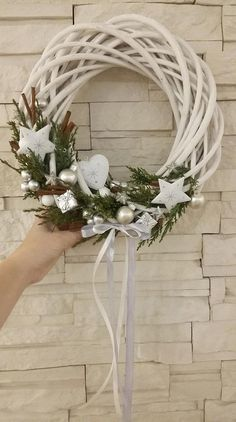 Christmas Advent Wreath, Christmas Swags, Xmas Wreaths, Christmas Flowers, Handmade Christmas Decorations, Christmas Makes, Christmas Mood, Christmas Crafts, Halloween