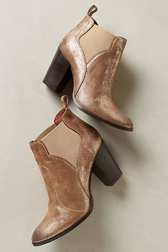 Gorgeous gold booties $75 with code:  EXTRAEXTRA #Anthrofave http://rstyle.me/n/r3efznyg6