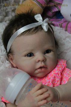Добрый день всем!!! Сегодня я к вам с с еще одной куколкой… и снова с Кристочкой… Девочка реборн выполнена из