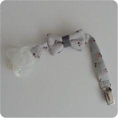 Attache tétine petit noeud
