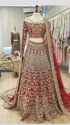 This beautiful designer wedding, party wear dress. Be your gorgeous self in this beautiful dress, perfect for a party, function or wedding. Style the look with a ring and a pair of earrings. Asian Bridal Dresses, Desi Wedding Dresses, Indian Bridal Outfits, Pakistani Wedding Outfits, Indian Gowns Dresses, Indian Bridal Fashion, Indian Designer Outfits, Pakistani Dresses, Indian Lehenga