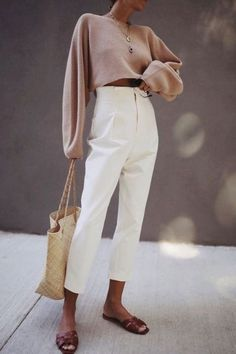 Minimalistische Outfits F R Den Fr Hling - Street Style City Outfits, Mode Outfits, Casual Outfits, Fashion Outfits, Airport Outfits, Cool Street Fashion, Trendy Fashion, Fashion Trends, Womens Fashion