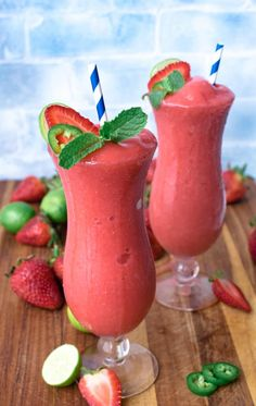 A pitcher of our Strawberry Jalapeno Lime Daiquiri is frosty and amazing, the perfect refreshment. I love strawberry daiquiris and they always turn out better when I use fresh strawberries. Easy Pina Colada Recipe, Strawberry Daiquiri Recipe, Strawberry Drinks, Strawberry Margarita, Frozen Daiquiri, Daiquiri Cocktail, Champagne Cocktail, Cocktail Drinks, Fruity Cocktails