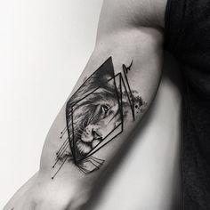 #samsaratattoo #blacktattoomag #ttblackink #taot #inkstinctsubmission #blackworkerssubmission #iblackwork #theblackmasters #tattoo #tattooart #tattooartist #tattooed #tattedup #tatted #tattrx #tattoos #equilattera #tttpublishing #tttism #inkapture #btattooing #inkstylemag #world_tattoo_gallery #thinkbeforeuink #inspirationsoftattoo #tattoo2me #lion #geometry #geometric