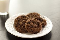 Triple Chocolate Chocolate Chip Cookies - Rocco DiSpirito Now Eat This on Dr. Oz.     uses cannellini beans!