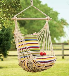 How awesome is this rope hammock swing? Kick back with the blissful comfort of this delicately swinging hammock that boasts a classic rope construction. A great way to add charm to your home Rope Hammock, Backyard Hammock, Diy Hammock, Pergola Swing, Hammock Stand, Rope Swing, Hammock Frame, Hammock Ideas, Backyard Movie