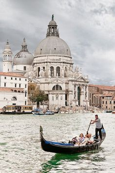 Monday Musings | lark & linen Venice, Italy PIN: SSB *