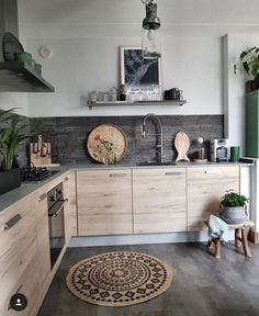 Cuisine 2019 Cuisine The post Cuisine 2019 appeared first on Apartment Diy. Kitchen Decor, Kitchen Inspirations, Apartment Kitchen, House Interior, Kitchen Interior, Home Kitchens, Home, Interior, Kitchen Remodel
