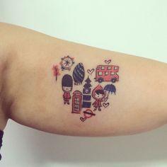 London lovers! Tattoo Art by @dn_alves Daniel R Alves Londres / Inglaterra - England