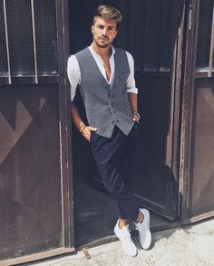 Outfit inspiration by Mariano Di Vaio