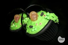 Cauldron cupcakes - kids could even decorate these themselves!