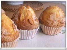 Esto es una Magdalena...!!!     Receta que veo de magdalenas... receta que hago...!!!   Pero ésta es la que más me ha gustado, aunque he aña... Sweet Desserts, Delicious Desserts, Dessert Recipes, Cake Cookies, Cupcake Cakes, Cupcakes, Macarons, Biscuits, Pan Dulce