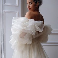 Wedding Dress Trends, Dream Wedding Dresses, Designer Wedding Dresses, Bridal Dresses, Bridal Photography, Life Photography, Wedding Looks, Bridal Style, Wedding Styles