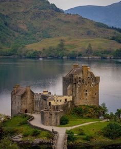 No angles disappoint when visiting Eilean Donan Castle . Beautiful Castles, Beautiful Sites, Beautiful Places, Scotland Castles, Scottish Castles, Castle Ruins, Medieval Castle, Architecture Antique, Castles To Visit