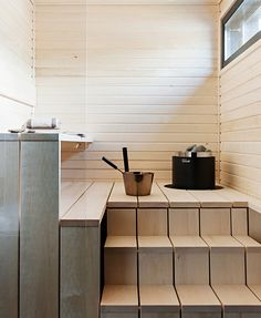 People have been enjoying the benefits of saunas for centuries. Spending just a short while relaxing in a sauna can help you destress, invigorate your skin Saunas, Spa Interior, Interior Design, Design Design, Design Ideas, Sauna Shower, Earthy Home Decor, Sauna Design, Outdoor Sauna