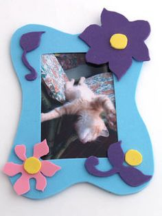 Not only for pet lovers - a photo frame which is easy to make from moosgummi, just cut it and glue it together! And your super fun frame is all done! — Hobby Art Chemaco