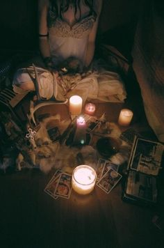 Divination: Candles and Tarot cards. Season Of The Witch, Witch Aesthetic, Gray Aesthetic, Aesthetic Grunge, Mystique, Practical Magic, Beltane, Book Of Shadows, Coven