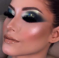 Teal Makeup, Love Makeup, Makeup Inspo, Makeup Looks, Hair Makeup, Eyeshadow Looks, Eyeshadow Makeup, Makeup Brushes, Classy Makeup