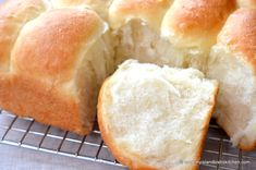 These easy-to-make delectable pan rolls are sure to complement any meal. With great flavor and tender texture, all that's needed is a slather of butter! Bistro Kitchen, Bistro Food, Slice Of Bread, Bread Rolls, Rolls Recipe, Dinner Rolls, Great Recipes, Favorite Recipes, Kids Meals