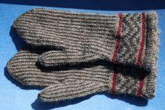 Faster Birgits vantar Knitting Charts, Knitting Patterns Free, Free Knitting, Knitting Ideas, Knit Mittens, Knitted Gloves, Fair Isle Knitting, Knitting Yarn, Hand Warmers