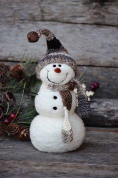 Bear Creek Snowman #685 needle felted by Teresa Perleberg