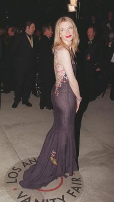 Pin for Later: And the Oscar Goes to. . . les 37 Meilleures Robes Jamais Vues aux Academy Awards Cate Blanchett, 1999 Cate portait une robe signée John Galliano.